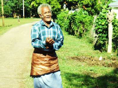 Tongan Culture, Tongan man walking to church